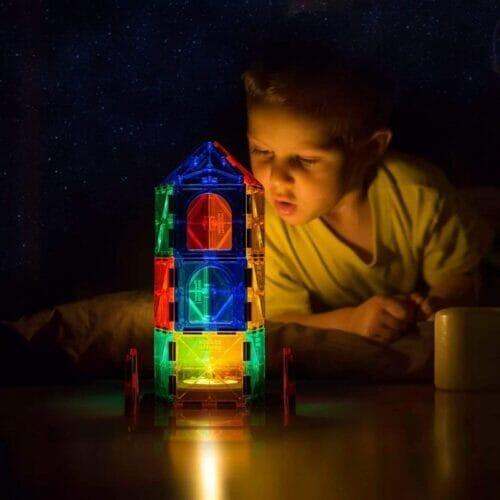 ピタゴラス系の透明タイプは透過光が面白い
