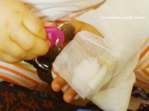 入院した時の点滴の指先
